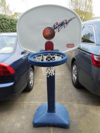 Little Tikes adjustable basketball hoop