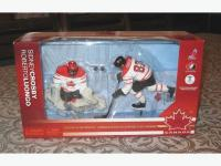 NHL Sidney Crosby and Roberto Luongo Figures