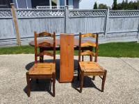 Solid Pine Dining Room Table   Chairs