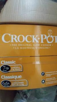 Crock Pot BRAND NEW oval 7Qt -